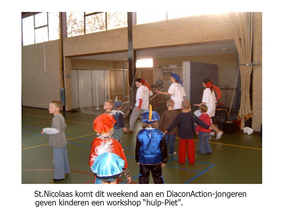 """Wij schilderden een eigen jeugdhonk in een oude pastorie St.Nicolaas komt dit weekend aan en DiaconAction-jongeren geven kinderen een workshop """"hulp-P"""