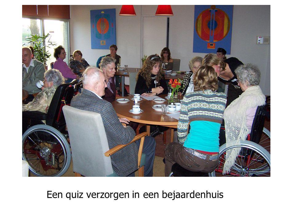 Een quiz verzorgen in een bejaardenhuis