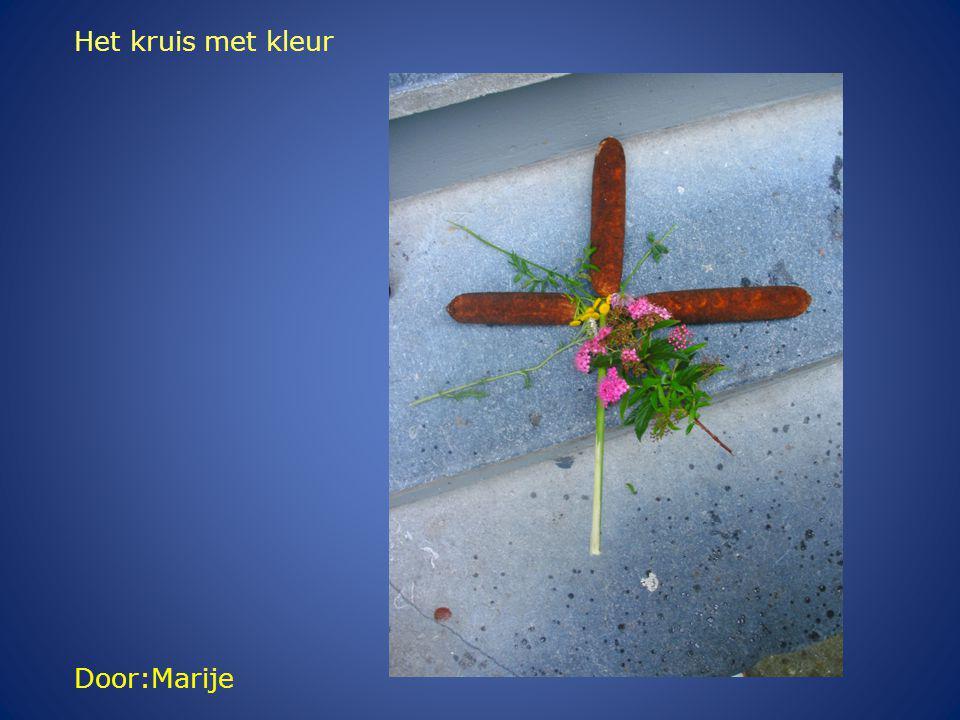 Door:Marije Het kruis met kleur